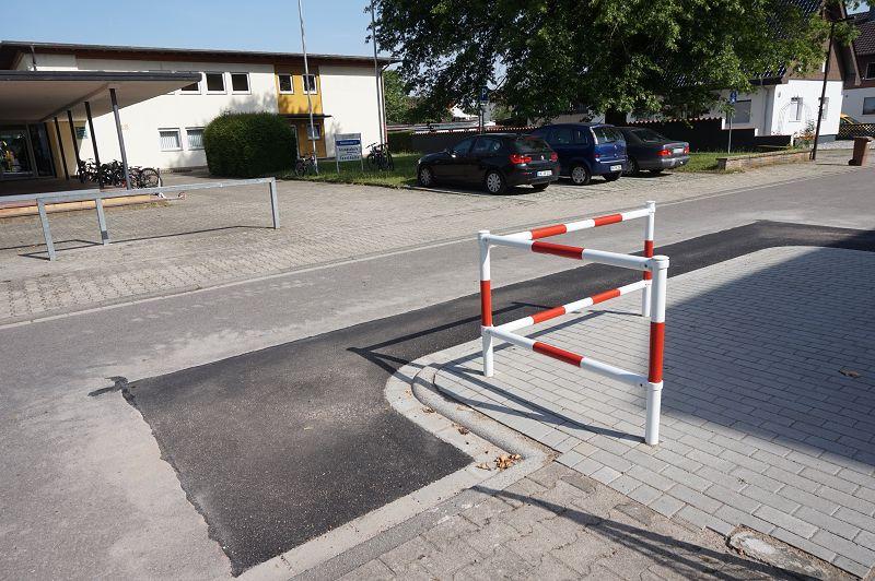 Grundschule Rheinmünster Ortsteil Söllingen, Verengung Fahrbahn, Aufweitung Gehweg