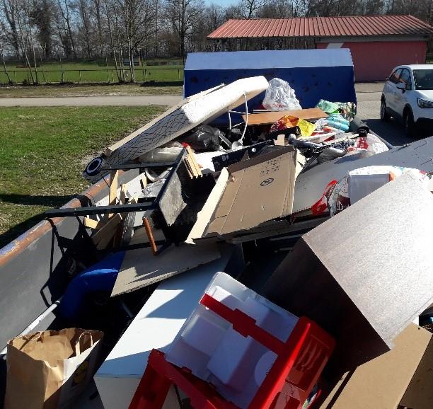 Bild 1 - illegale Müllentsorgung Rheinmünster